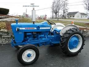 ford 2000 tractor gas