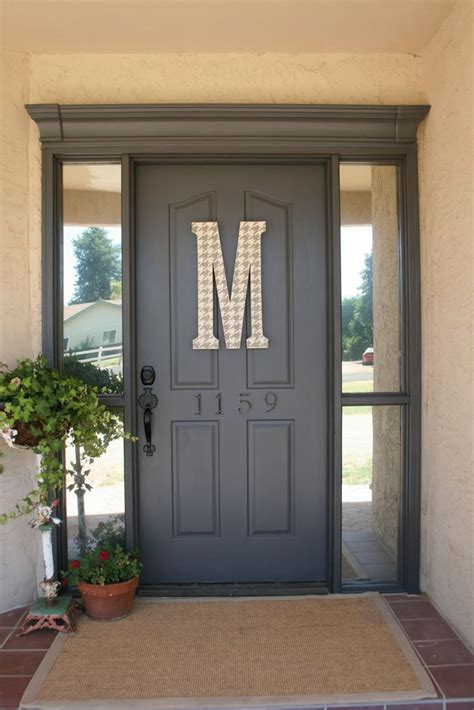 Plain Exterior Door A Clever Idea To Dress Up The Outside Or Inside Of Your Front Door Why A Plain Door