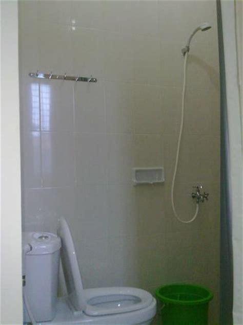 Tempat Duduk Shower Kamar Mandi kost bangunan baru minimalis di jalan siaga pasar minggu jakarta selatan pria wanita