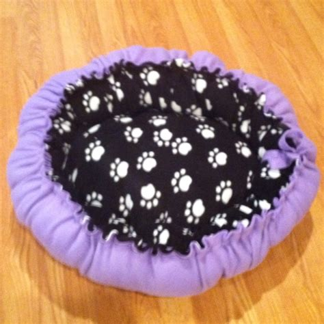 diy dog bed no sew pin by dina cbell on fleece fabric items pinterest
