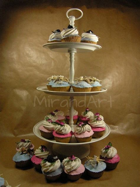 cupcakes etagere 17 best images about papermache on tiered cake