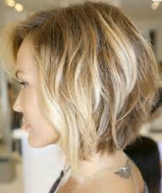 how to stlye a stacked bob with wavy hair 33 fabulous stacked bob hairstyles for women hairstyles