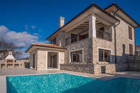 Haus Mit Steinfassade by Luxuri 246 Ses Neues Haus Mit Steinfassade Und Pool Auf Krk