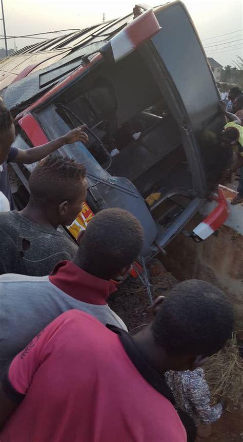 puppi buss shall grow rams into a fuel tanker on enugu onitsha expressway photos