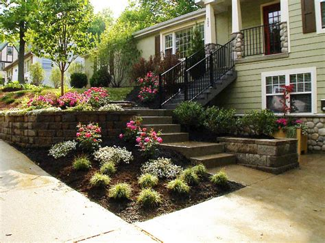 Front Lawn Landscaping Ideas Front Yard Landscaping Ideas Diy Landscaping Landscape Design Ideas Plants Lawn Care Diy