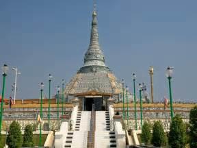 Marvelous Jobs In Travel Photography #6: Myanmar-Mandalay-Jade-Temple.jpg