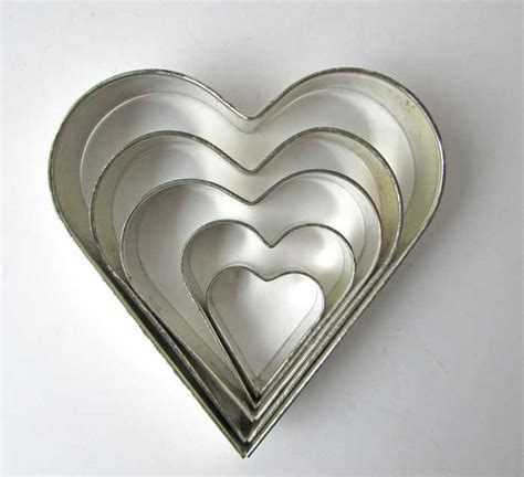 graduated heart shapes vintage set of 5 graduated size tin heart shape pastry cookie