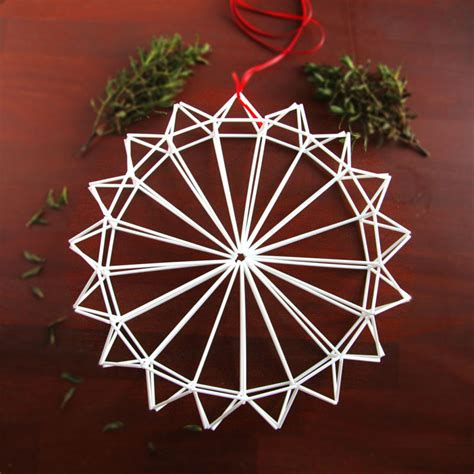 modern wreaths 21 modern wreaths to decorate your home with this
