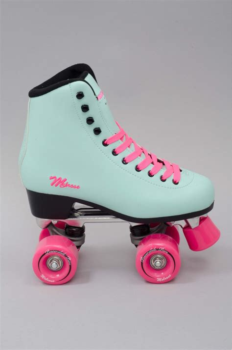 Play Roller Skates roller skating on roller skating