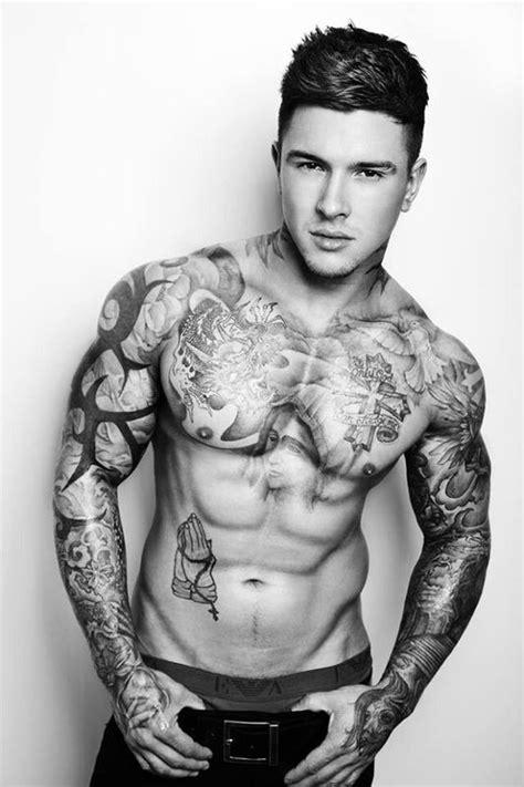 半臂纹身图案大全男欧美明星 百度知道