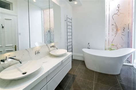 Modern White Bathroom Ideas by Minimalist White Bathroom Designs To Fall In