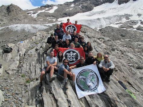 casa pound italia monta 209 a y tradici 211 n la muvra grupo de excursionismo de