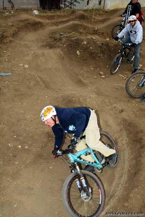 build  pump track lee likes bikes