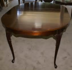 mahogany dining room tables mahogany oval dining room table