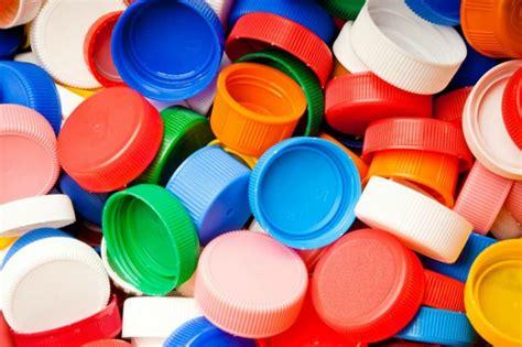 riciclare cassette di plastica come riciclare i tappi di plastica 11 idee creative per