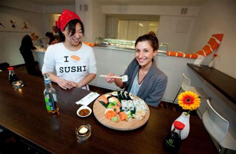 essen in stuttgart west i sushi in stuttgart west die sushi fans stehen