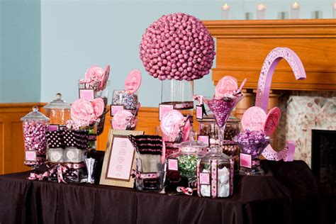 invite your guests to a dessert pause to the candy bar buffet