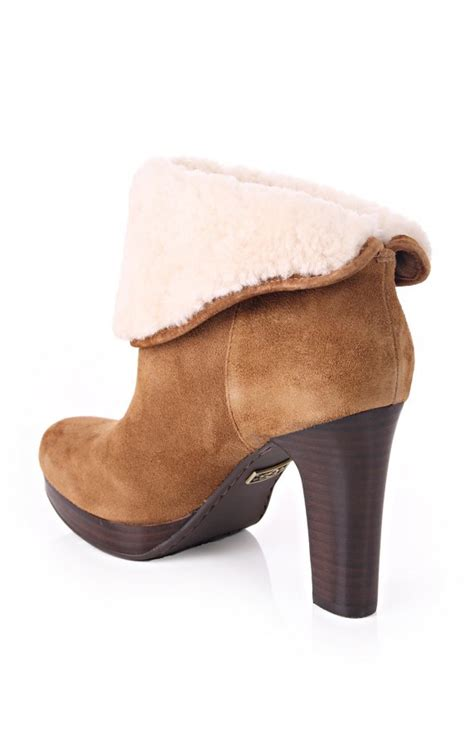 what is ugg boots made out of