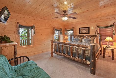 12 bedroom cabins pigeon forge cabin legacy mansion 12 bedroom sleeps 58