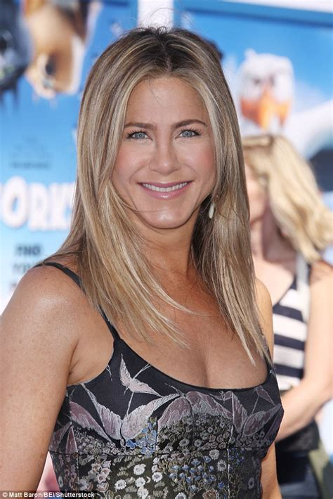 Aniston Second Nose For More Baby by Aniston Thinks Brad Pitt And
