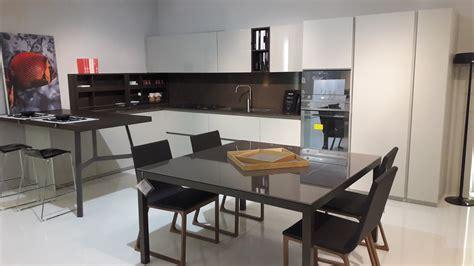 Cucina Con Penisola Centrale by Cucina Con Penisola Centrale Cucina Con Isola Si O No