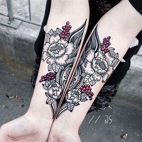 symmetrical tattoos 25 best ideas about symmetrical on