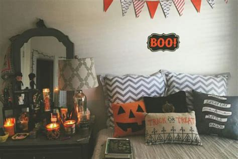 halloween bedroom decorating ideas 33 spooky scary halloween decorations for 2016