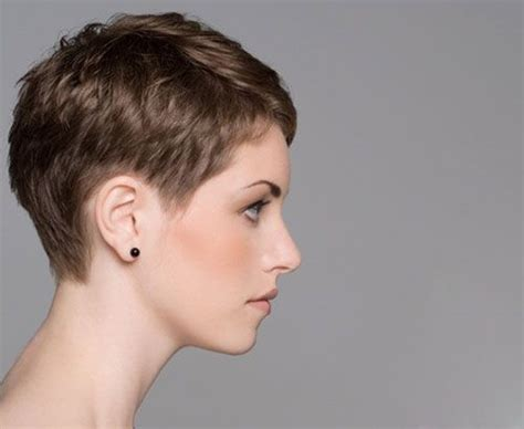 pinning back a pixie 100 pixie cuts that never go out of style short pixie