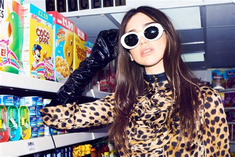 dua lipa sunglasses dua lipa photo 167 of 324 pics wallpaper photo 935305