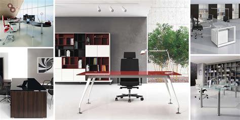 scrivanie in cristallo per ufficio mobili e scrivanie in vetro o cristallo per un ufficio