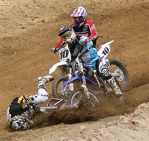 pictures of motocross image gallery motocross crashes