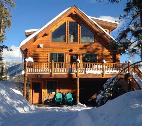 modern log cabin homes modern log cabin minutes from rocky mountain vrbo