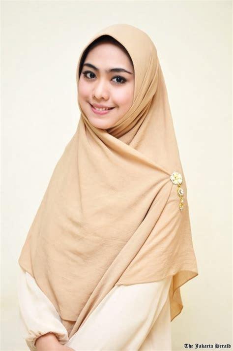 Kerudung Modern Cara Memakai Jilbab Modern Hairstylegalleries