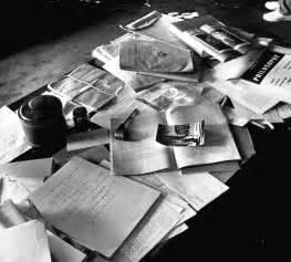 einstein schreibtisch einstein s desk masculine interiors