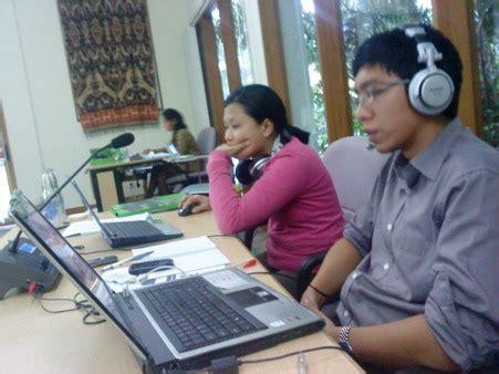 Headset Penerjemah Bahasa Penyewaan Interpreter System Persewaan Interpretation