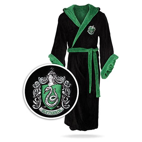 harry potter house robes hogwarts robes slytherin www imgkid com the image kid has it