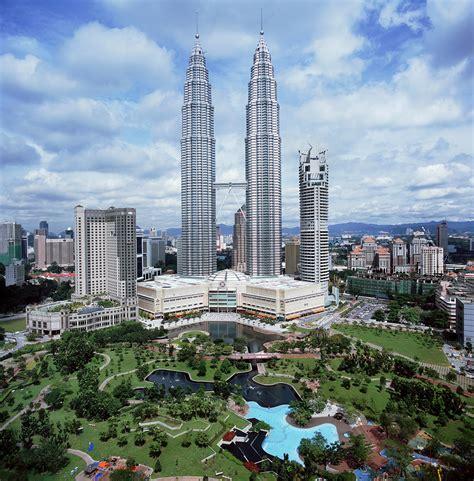 Kuala Lumpur petronas towers facts pod