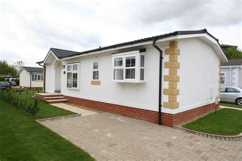 2 bedroom mobile home for sale in takeley park hatfield