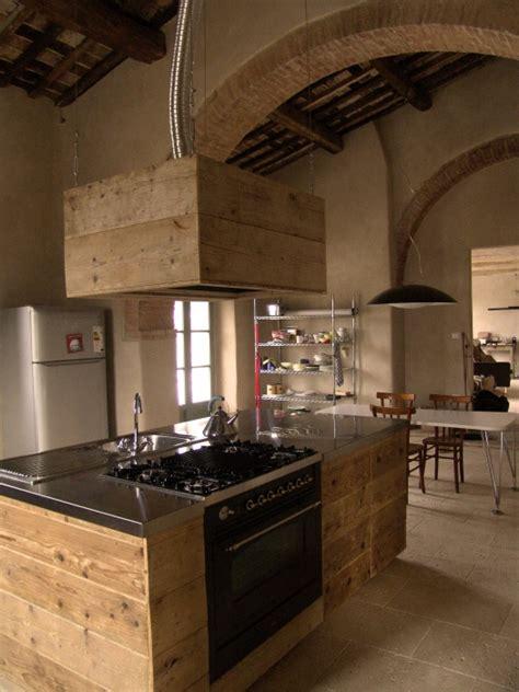 Cucina Con Mobili Di Recupero by Cucina A Vista Cucina Da Esibire Arredamento