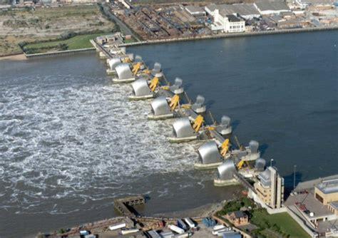 thames defence barrier balfour beatty lands 163 250m thames flood defence deal with