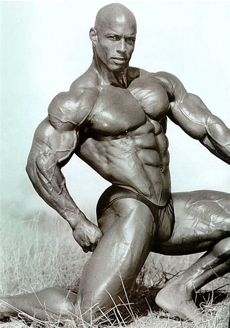 top 10 hottest female bodybuilders all time glitzyworld perfect 20 simplyshredded com presents the top 20 most