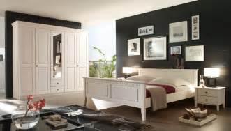 Schlafzimmer Landhausstil Massiv Schlafzimmer Kiefer Massiv Wei 223 Im Landhausstil Bolzano