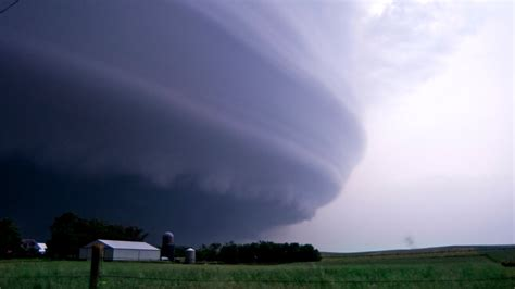 images of tornadoes tornado www pixshark images galleries with a