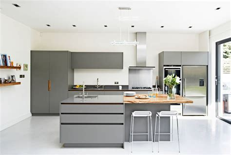 gray kitchen with white cabinets 30 gorgeous grey and white kitchens that get their mix right