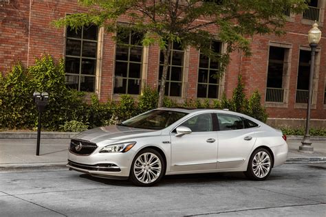 2017 buick lacrosse safety review and crash test ratings