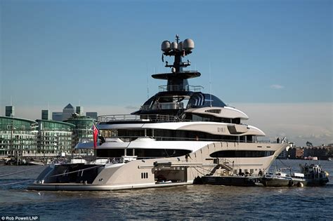 Gamis Jaguard Wafle Syari superyacht owned by billionaire fulham fc chairman makes