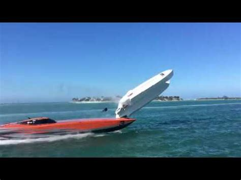 key west boat wreck key west superboat world chionship crash 2017 original