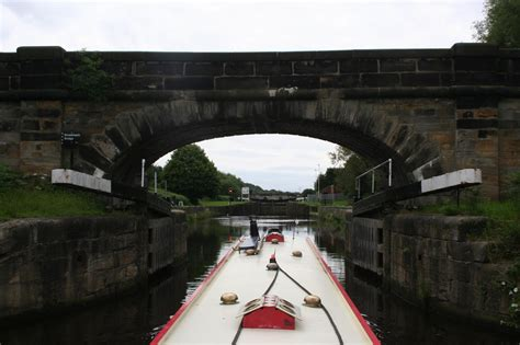 ferry boat wakefield narrowboat annie calder and hebble cruise
