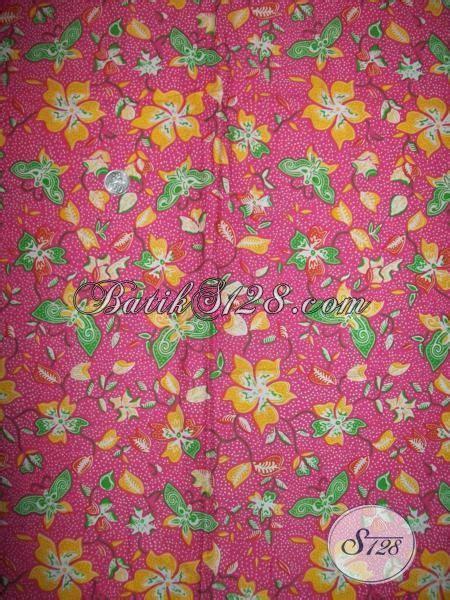 Aneka Sprei Motif Kupu motif kupu warna pink untuk kain batik cantik asli
