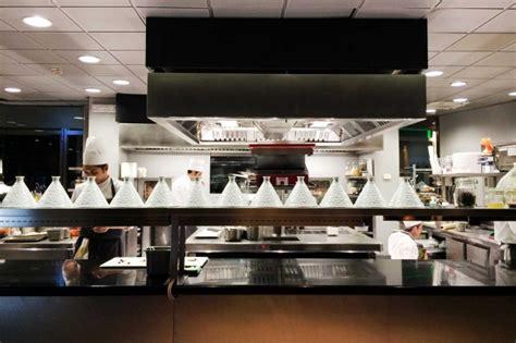 ristorante con cucina a vista unico ristorante stella michelin ad alta quota